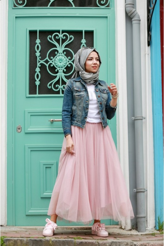 Gamze Ozkul Skirt Powder